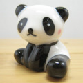 今日から食卓はパンダさんでかわいく!でも飾っておくだけでもOK!アニマル箸置き パンダ(スワリ) 紅ほっぺ